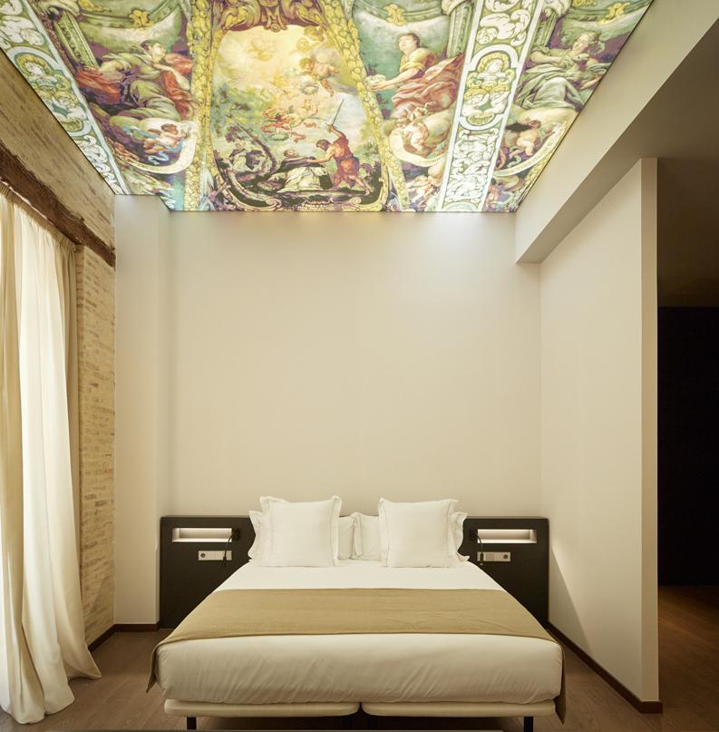 techo decorado de pintura