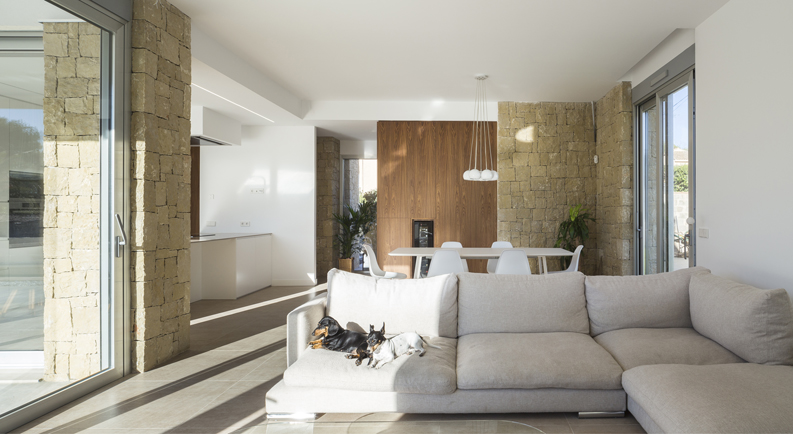HOUSE C+J comedor luz natural