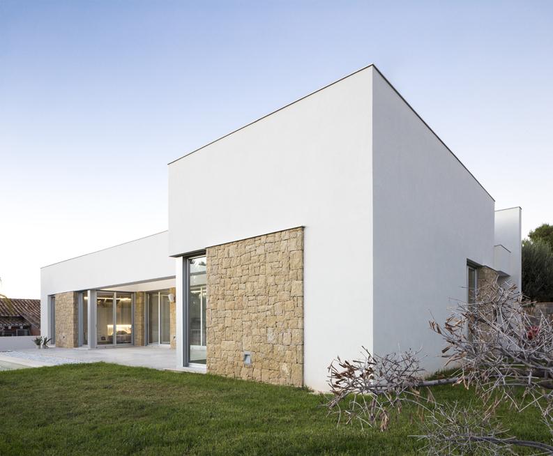 HOUSE C+J exterior