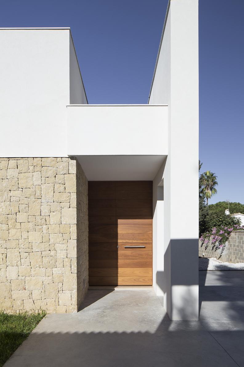HOUSE C+J entrada