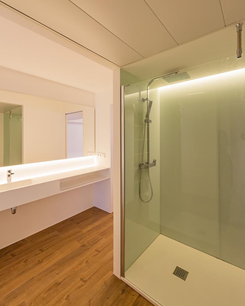 HOUSE R23 baño