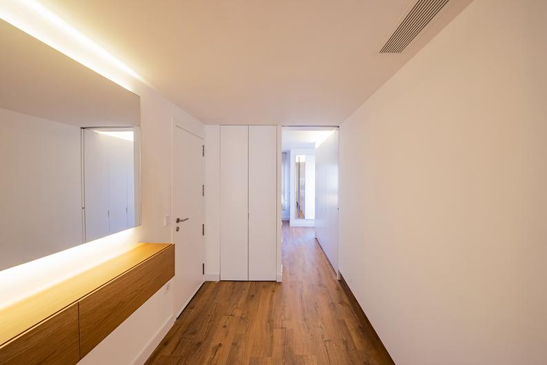 HOUSE R23 baño y pasillo