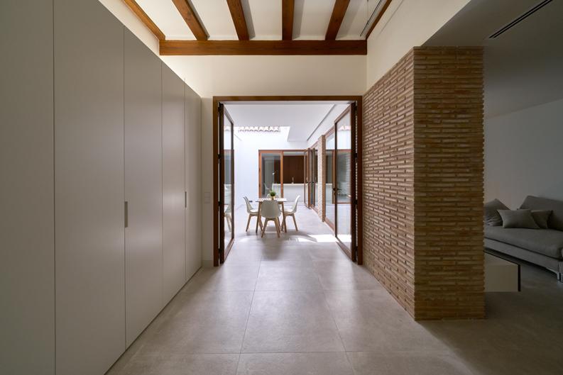 HOUSE M+P pasillo